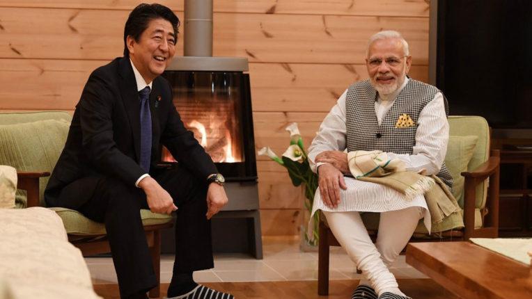 मोदी ने जापान के अपने समकक्ष शिंजो आबे से की टेलीफोन पर वार्ता