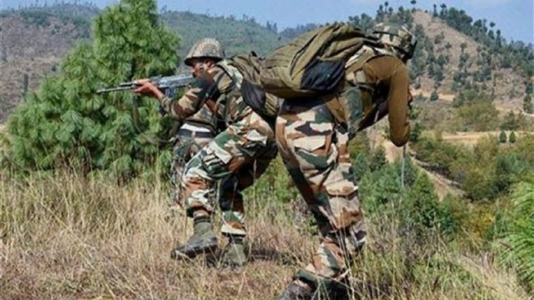 पाकिस्तानी सेना ने पुंछ में नियंत्रण रेखा के पास अग्रिम इलाकों में की गोलाबारी, एक महिला घायल