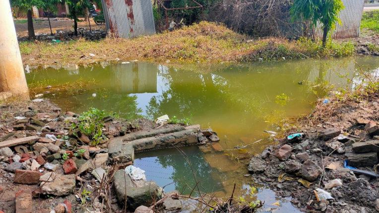 पथ्रोट वासियों को दूषित पेयजल आपूर्ति