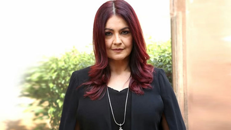 pooja-bhatt-tweet-viral-drugs-she-writes-people-use-drugs-make-pain-living-go-away