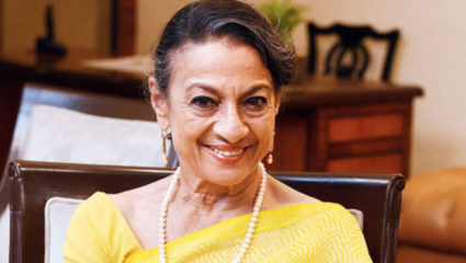 tanuja-birthday-special-know-the-interesting-facts-about-her-filmy-life