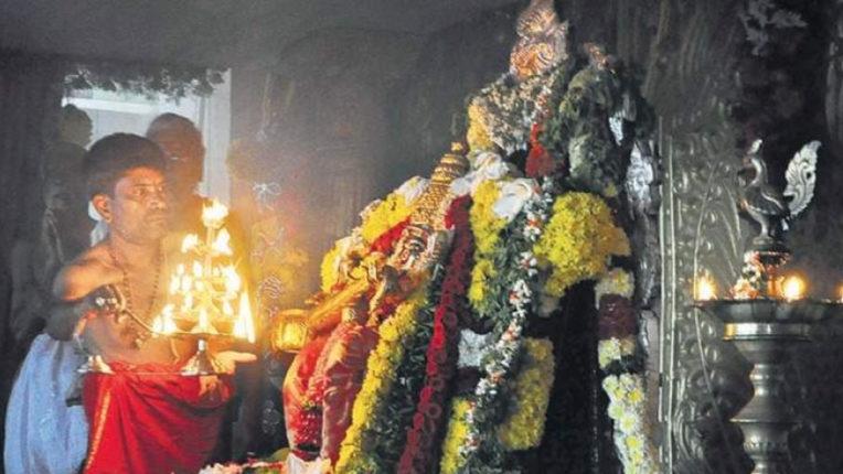 शहर में अनेक मंदिर शुरु, कोरोनाकाल में उमड रही भीड