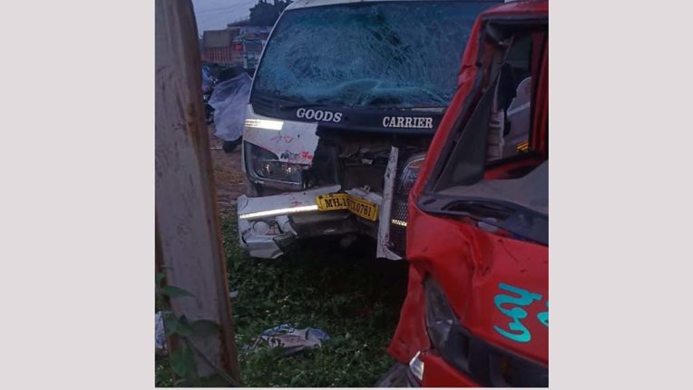 3 वाहनों की भिड़ंत, दंपति की मौत