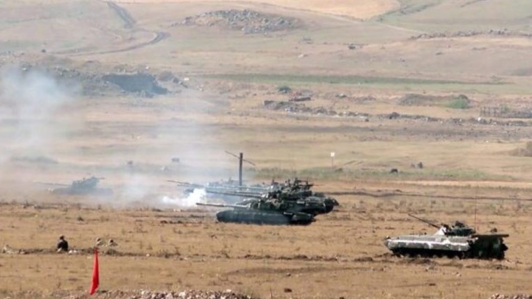Nearly 600 people have died in Armenia and Azerbaijan conflict