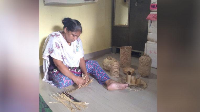 Bambu artifacts make Minakshi the 'Bambu Lady of Maharashtra'