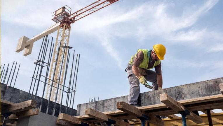 आसमान छू रहे हैं निर्माण कार्य से जुड़ी वस्तुओं के भाव