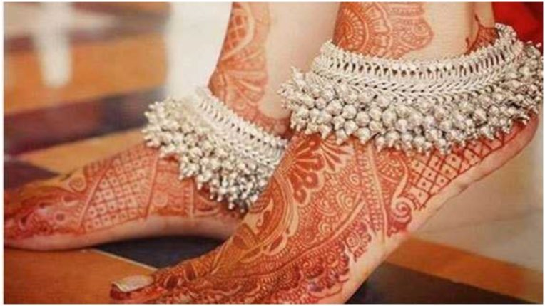Do you know why women wear anklets on their feet