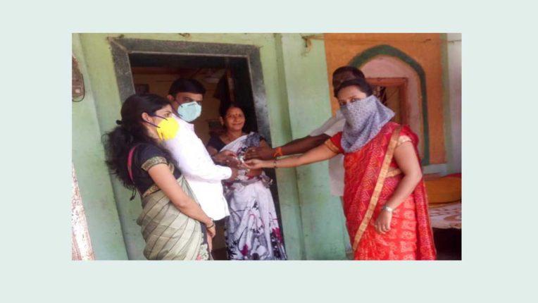 ग्रामीण क्षेत्रों में आर्सेनिक एल्बम 30 दवा का वितरण