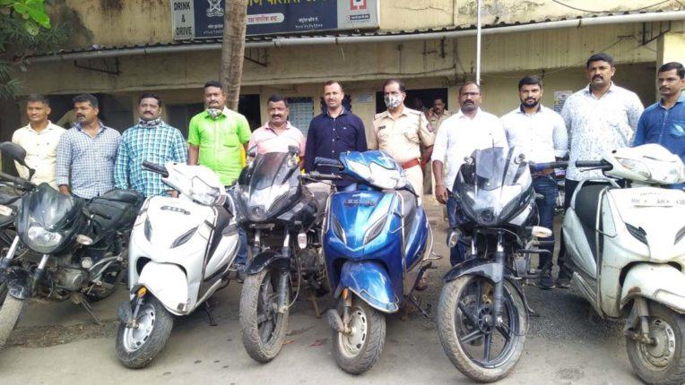 2 वाहन चोर गिरफ्तार, 7 मोटरसाइकिल बरामद