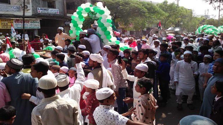 शहर में ईद-ए-मिलाद उत्सव: पुलिस की कड़ी सुरक्षा