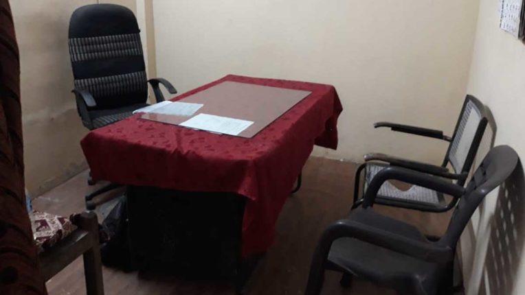 मजिप्रा में अधिकारी-कर्मी नदारद
