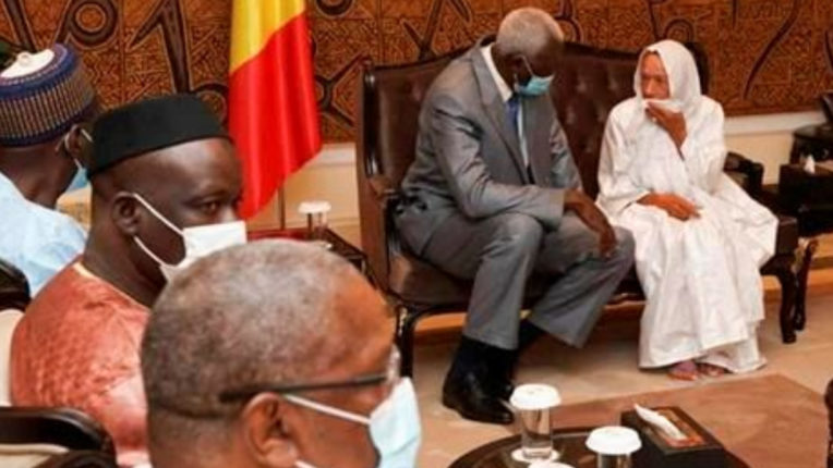 Islamic extremists release 3 European hostages, one Mali leader