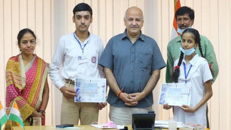इसरो साइबर स्पेस प्रतियोगिता के टॉप-10 में सरकारी स्कूल के 2 छात्र शामिल
