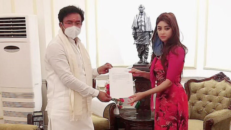 Payal Ghosh met Minister of State for Home Affairs Kishan Reddy