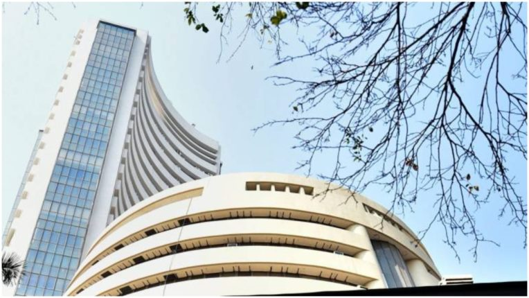 Sensex falls over 100 points in early trade, Nifty down 11650 points