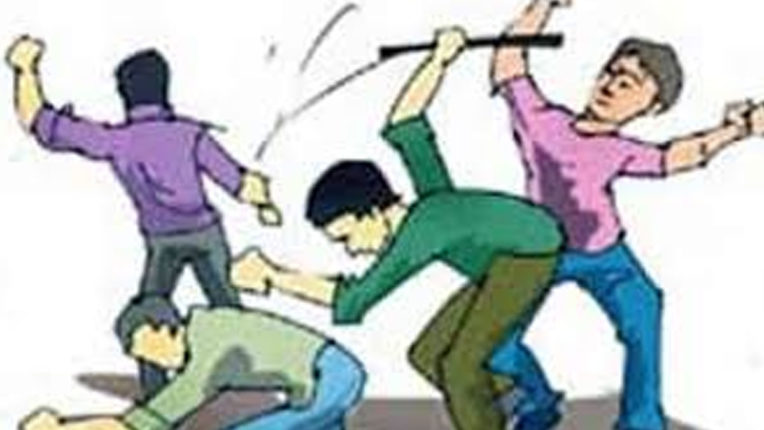 Two people beaten for trivial matter, crime registered