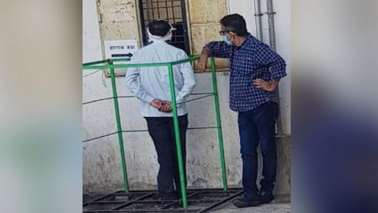 मनपा आयुक्त ने किया विविध विभागों का निरीक्षण, लेट लतीफ 147 कर्मचारियों की एक दिन वेतन कटौती