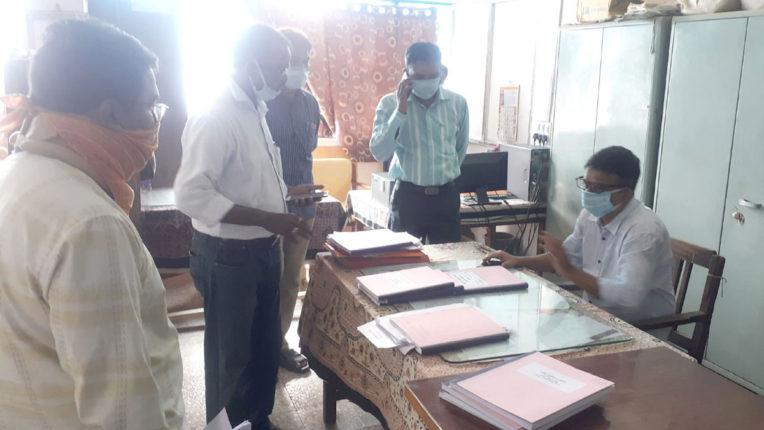 मंगलवार को फिर लेट लतीफ 39 कर्मचारी पाए गए, मनपा आयुक्त ने एक दिन वेतन कटौती के दिए निर्देश