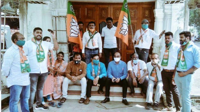 भाजपा का घंटानाद व लाक्षणीक उपवास, आघाडी सरकार के खिलाफ घोषणाबाजी