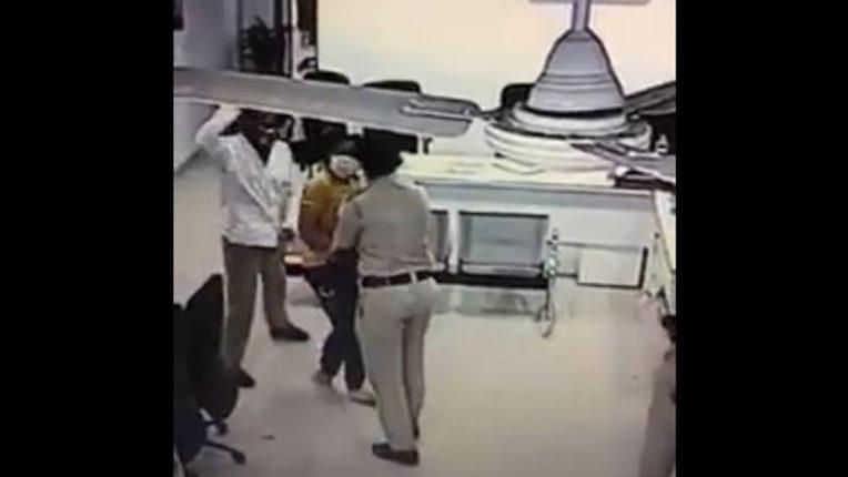 शिकायत करने गई महिला वकील को पुलिस ने पीटा