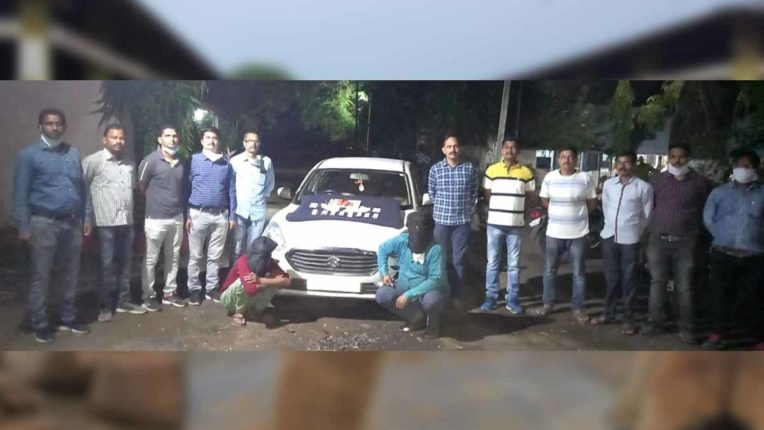 आईपीएल सट्टा अड्डे पर कार्रवाई, दो सटोरिये गिरफ्तार, 7.41 लाख का माल जब्त