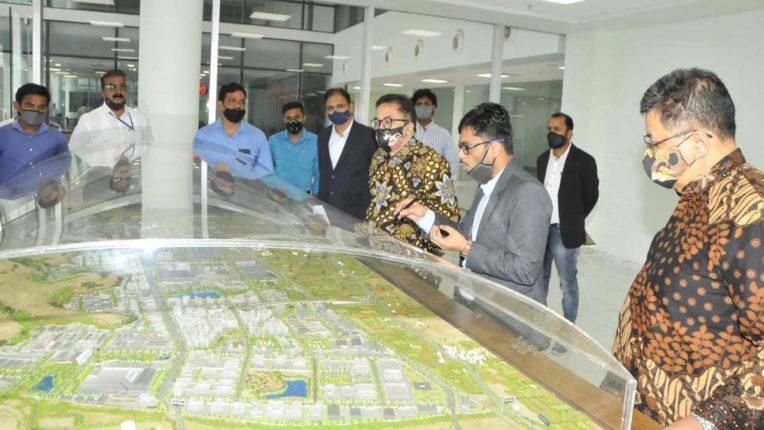 शेन्द्रा में निर्माणाधीन ऑरिक सिटी का दौरा