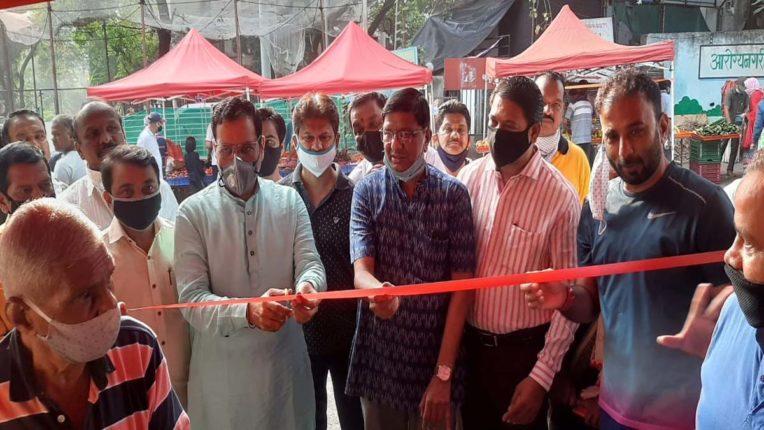 सहकारनगर में साप्ताहिक बाजार में उमड़ रहे लोग