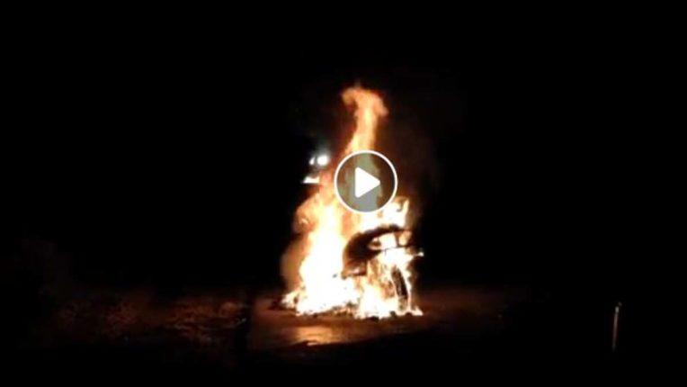 धू-धू कर जली दुपहिया, देखे विडियो