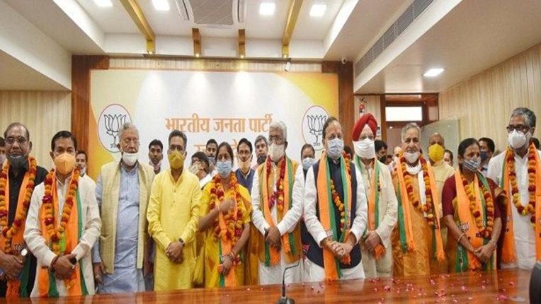 भाजपा के आठ उम्मीदवारों ने राज्यसभा के लिए भरा पर्चा