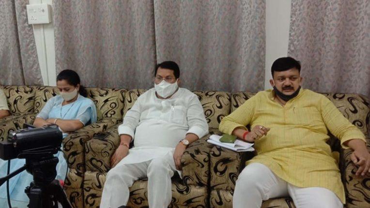 congress, vijay wadettiwar and Dhanorkar