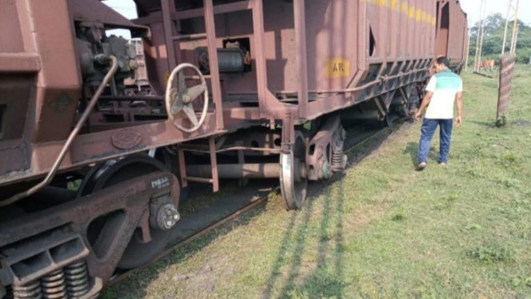 बेपटरी हुआ मालगाड़ी एक डिब्बा, चंद्रपुर-वणी महामार्ग ठप पड़ने से वाहनों की लंबी कतार