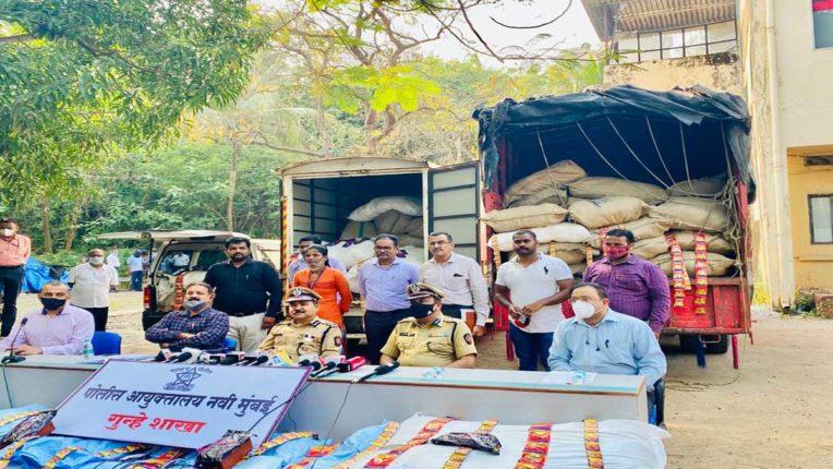 3 वाहन व 35 लाख रुपए का गुटका जब्त, 4 आरोपी गिरफ्तार