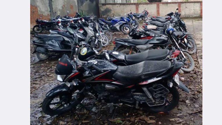 लावारिस वाहनों के विरुद्ध अब मनपा शुरू करेगी मुहिम