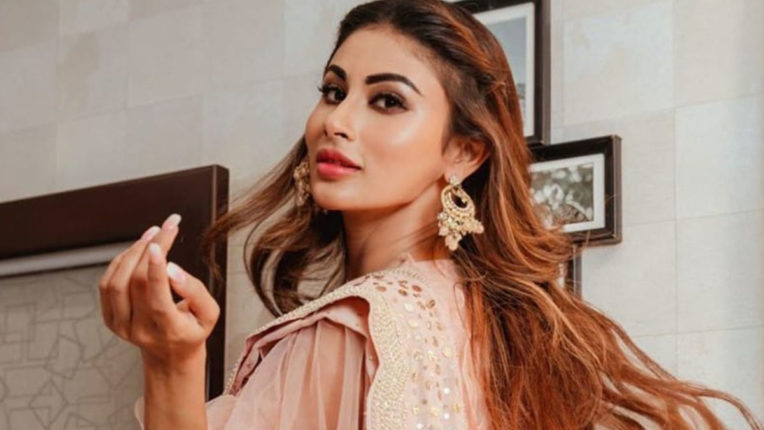 mouni-roy-flaunts-her-diamond-ring-and-shared-her-photo