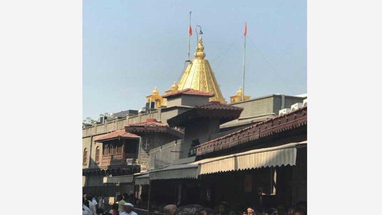 मंदिर बंद होने के कारण साईं संस्थान की आय में करोड़ों की कमी