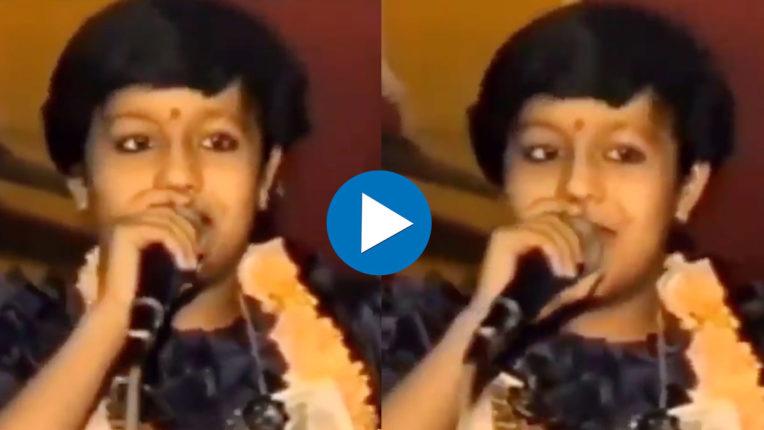 neha-kakkar-childhood-video-viral-on-internet-when-she-sings-bhajan-in-jagran