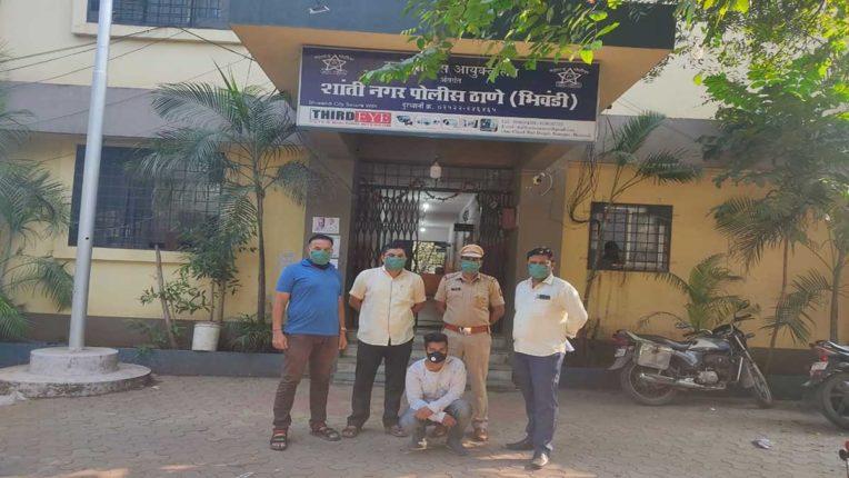 रिक्शा चोर गिरफ्तार, दो आटो रिक्शा व 1 टैम्पो बरामद