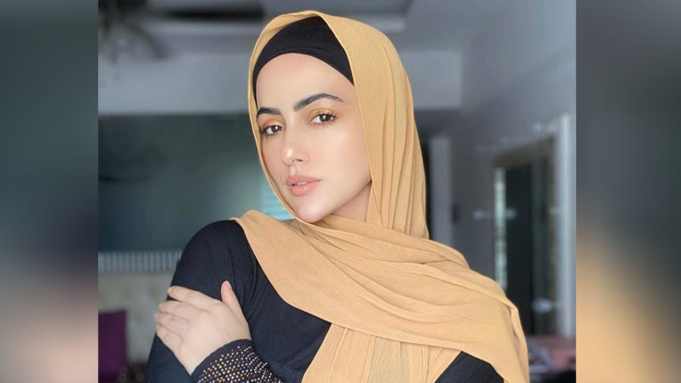 sana-khan-says-good-bye-to-showbiz-film-industry-says-i-will-serve-humanity-and-follow-path