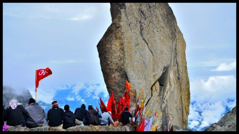 किन्नोर कैलाश पर्वत, जहां स्थित है 79 फिट ऊंचा शिवलिंग