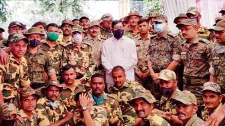 Foster Minister celebrates Diwali with soldiers
