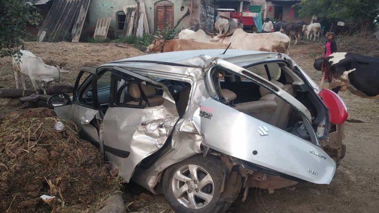 स्विफ्ट कार दुर्घटना में 3 की मौत, 2 घायल