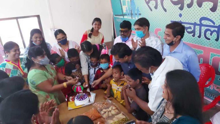 NCP के पदाधिकारियों ने अनाथ बच्चों के साथ मनाई दिवाली