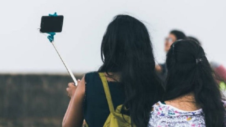 In the US and India, 'filter' is the most used to make 'selfie' beautiful: study