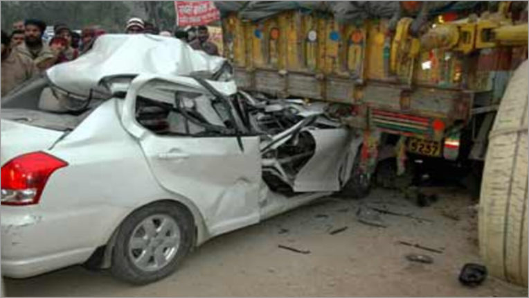 Seven people of same family killed, five injured in collision between two vehicles