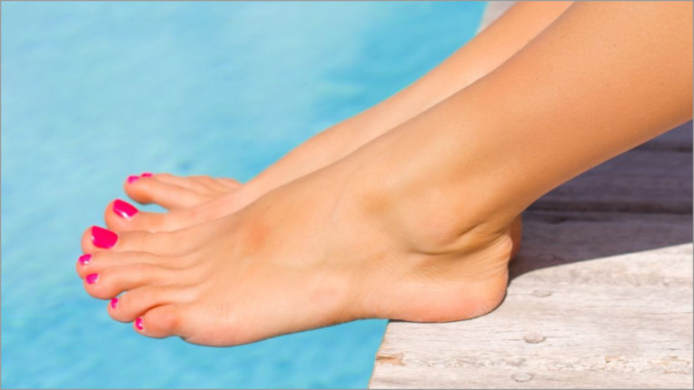 What causes ankles to burst? Tips to get rid of cracked heel