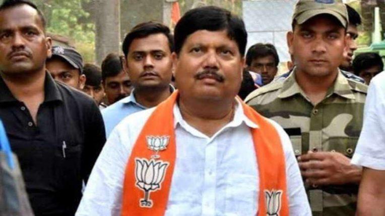 भाजपा सांसद ने किया दावा, कहा-टीएमसी के पांच सांसद कभी भी छोड़ सकते हैं पार्टी, टीएमसी ने नकार