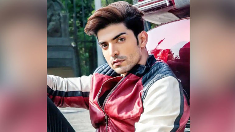 gurmeet-choudhary-donates-plasma-to-help-covid-19-patients