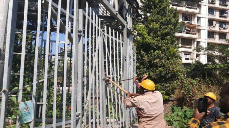 अवैध निर्माणों पर KDMC का हथौड़ा