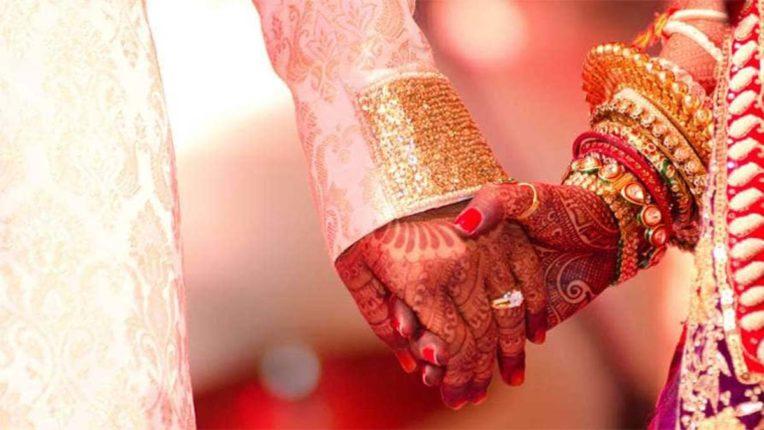 शादी की सप्तपदी को भी कोरोना की बाधा