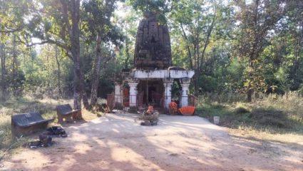 स्वयं की पहचान खोज रहा पुरातन मंदिर